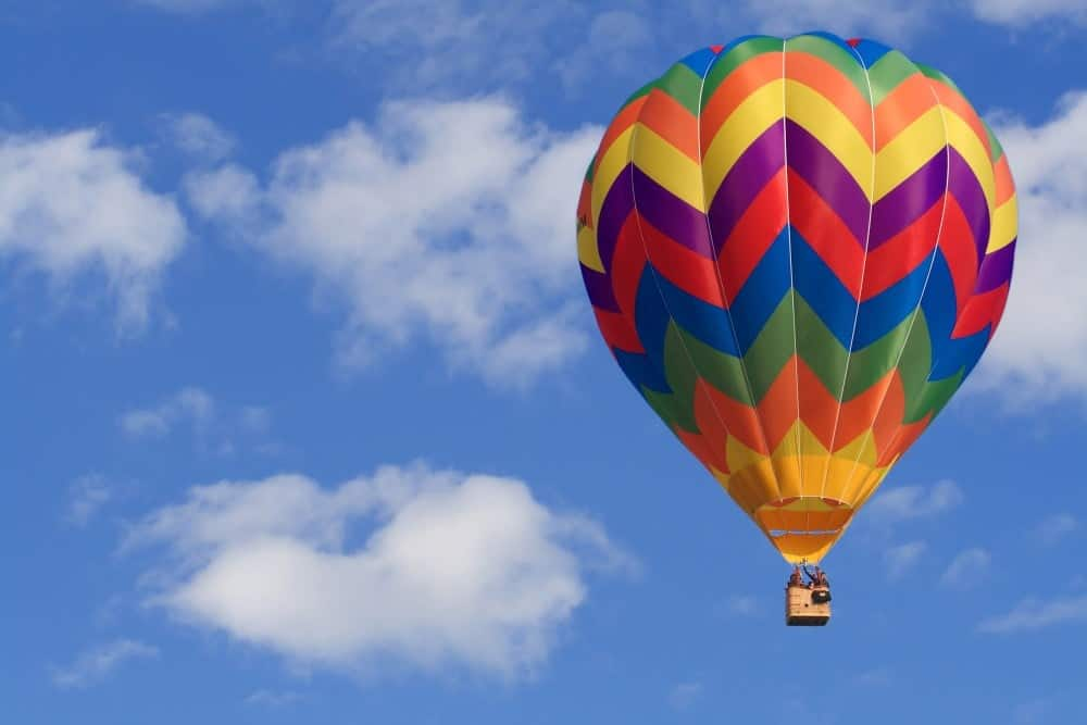 En tur i en luftballon er en fremragende gave til ham
